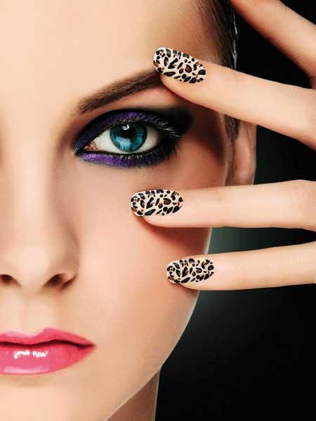Фото девушек с ногтями