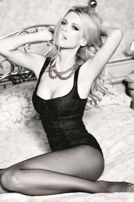 Черно-белые картинки девушек блондинок